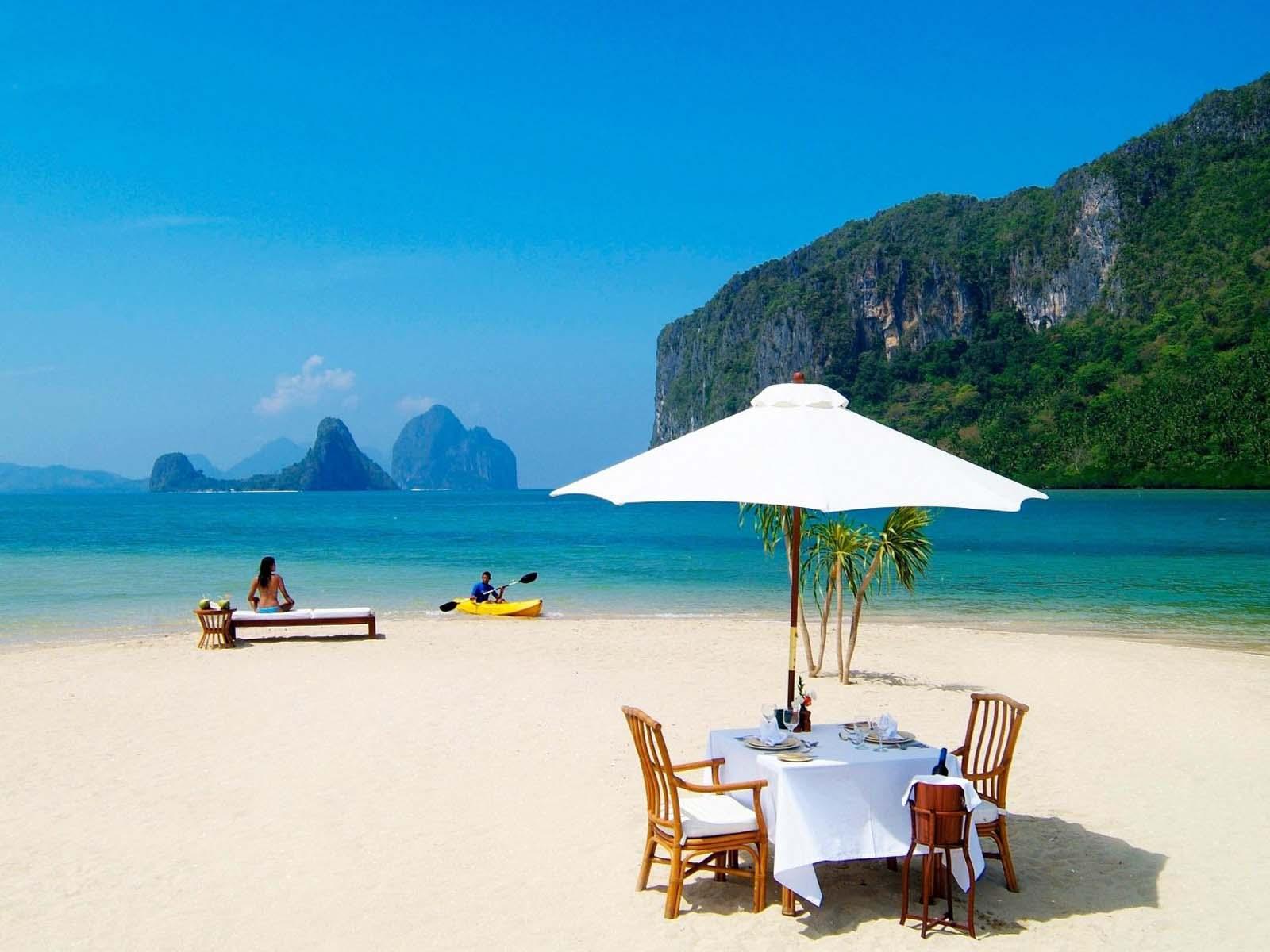 Leisure-Beach-Holiday-3